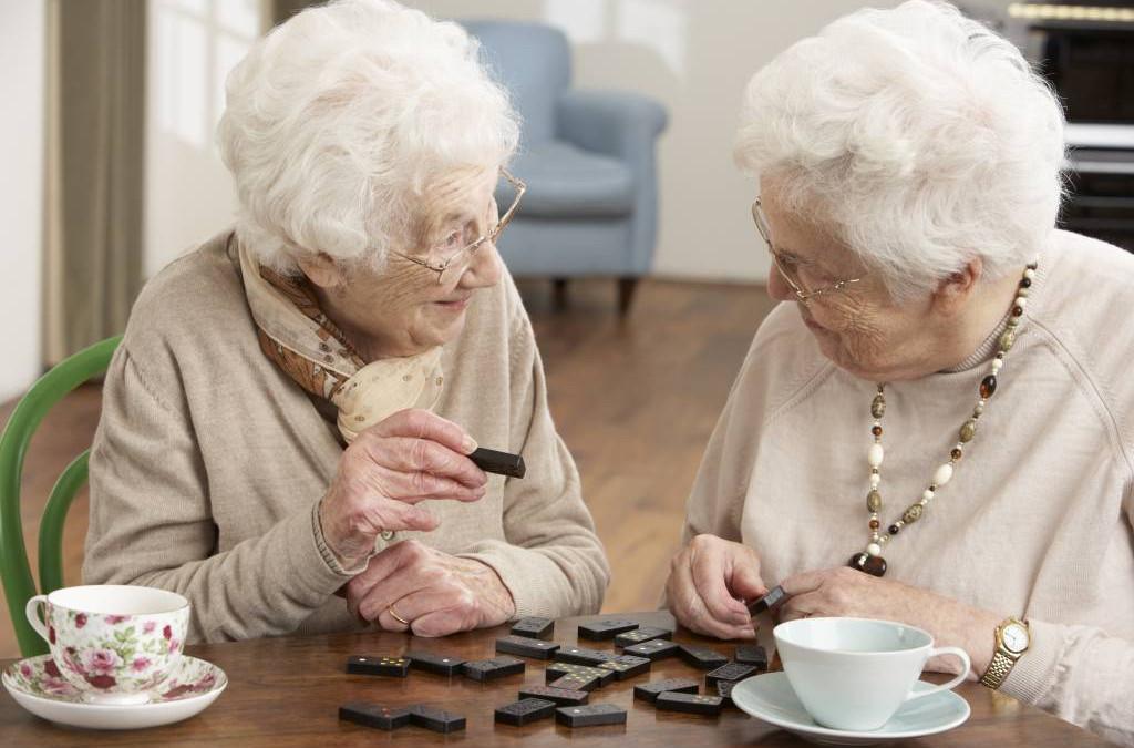 mehr zeit f r senioren in der ambulanten pflege cura gold. Black Bedroom Furniture Sets. Home Design Ideas